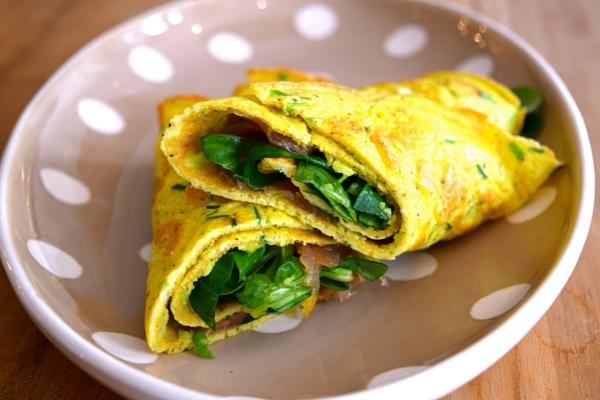 Zalm omelet wraps